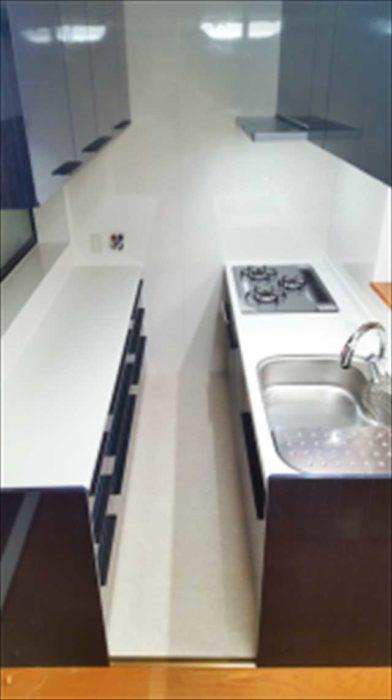 少ない動線のセミオープンキッチン
