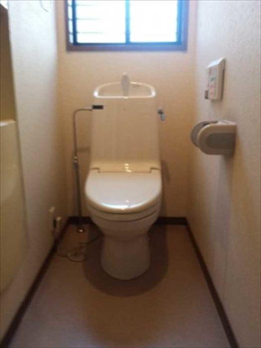 ≪Before≫  INAX ウォシュレット一体型トイレ