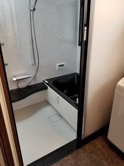 脱衣室と浴室をバリアフリーで安全に
